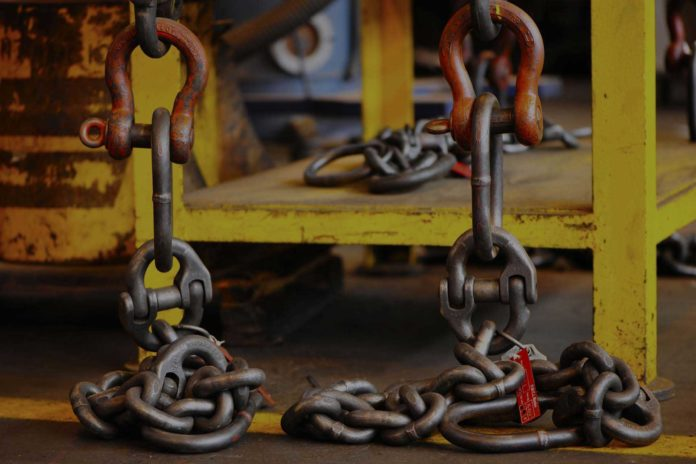 Tips for Buying Quality Lifting Equipment in UAE